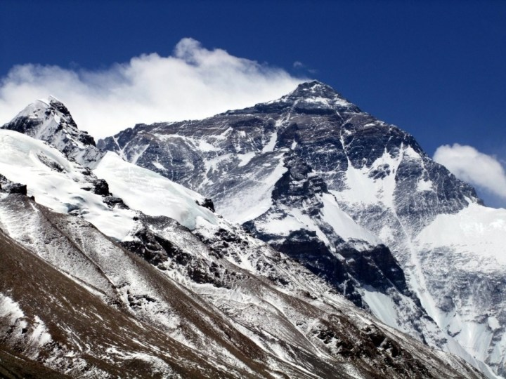 Jetstream winds batter Everest's North Ridge