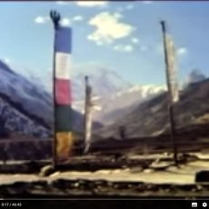 Learning about the Manang Valley in the early days of the Annapurna Circuit