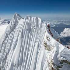 Amazing drone photos of the summit of Manaslu help to set the record straight