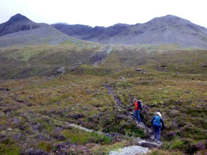 On the trail up to Sgurr na Banachdich, with An Diallaid on the left
