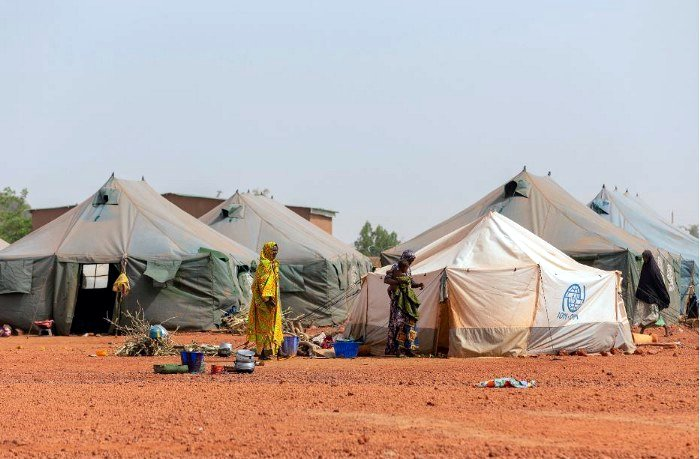 A camp for displaced people in Mali where ongoing conflict started in 2016. Many of the places where people suffer acute hunger are divided by conflict. (Photo: WFP / Aurélia Rusek)