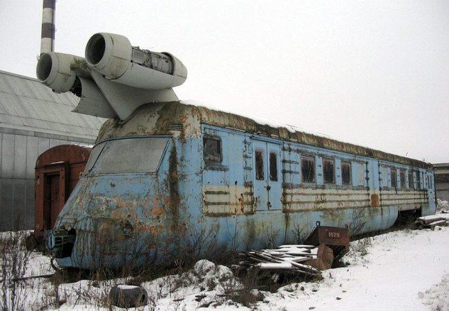 Abandoned Soviet Jet Train (160mph).jpg