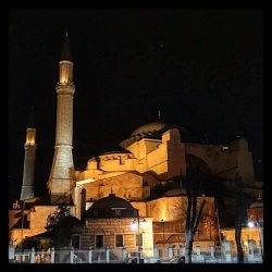 Istanbul - Hagia Sofia night.jpg