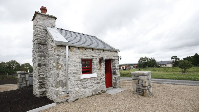 Cobblers Cottage Restoration Exterior