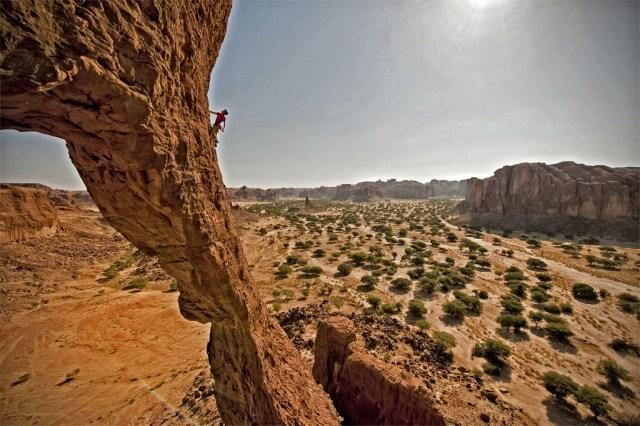 arch-climb-1024x681