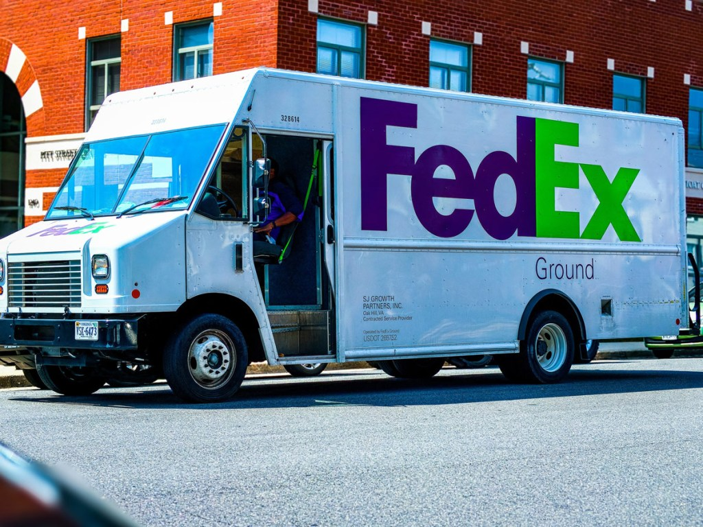 fedex step van