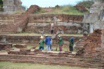 Ayutthaya Wat Phra Si Sanphet Reinigungsarbeiten