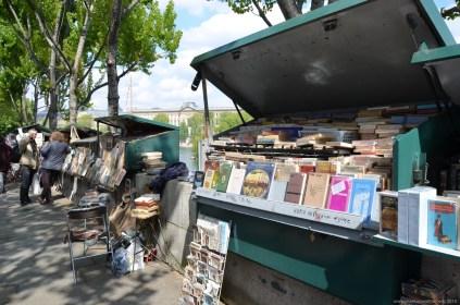 Flohmarkt-Stand an der Seine