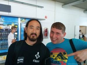 Steve Aoki am Flughafen in Madrid