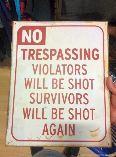 Warnschild, gefunden in Hollywood