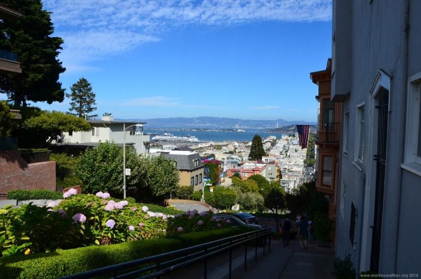 Blick über die Bucht von San Francisco von der Lombard Street