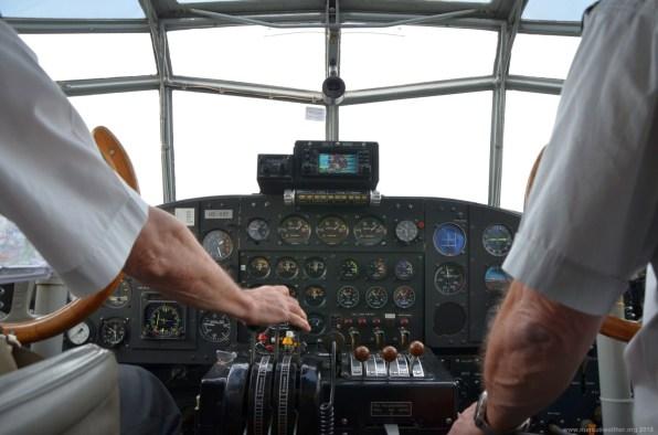 Im Cockpit der JU-52