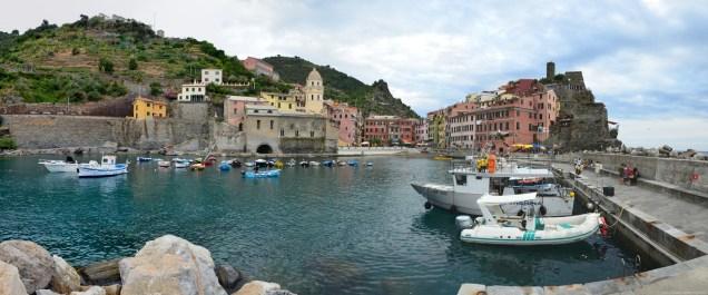 Der Hafen und die Bucht von Vernazza, La Spezia