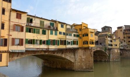 Blick auf Ponte Vecchio (Westseite)
