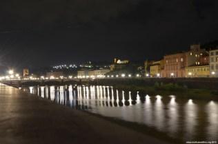 Blick auf den Arno bei Nacht