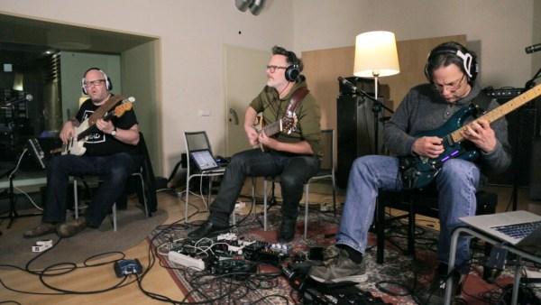 "Mark Wingfield, Markus Reuter, Yaron Stavi recording ""The Stone House"""