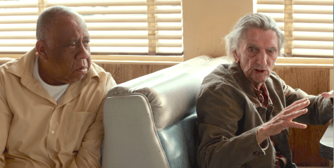 Joe (Barry Shabaka Henley) et Lucky (Harry Dean Stanton) dans Lucky