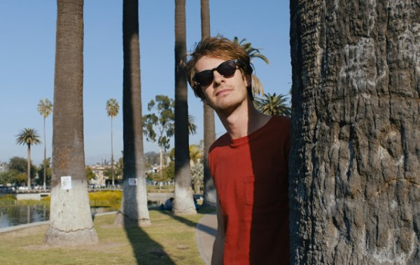 Sam (Andrew Garfield) enquête dans la Cité des Anges dans Under the Silver Lake de David Robert Mitchell (2018)