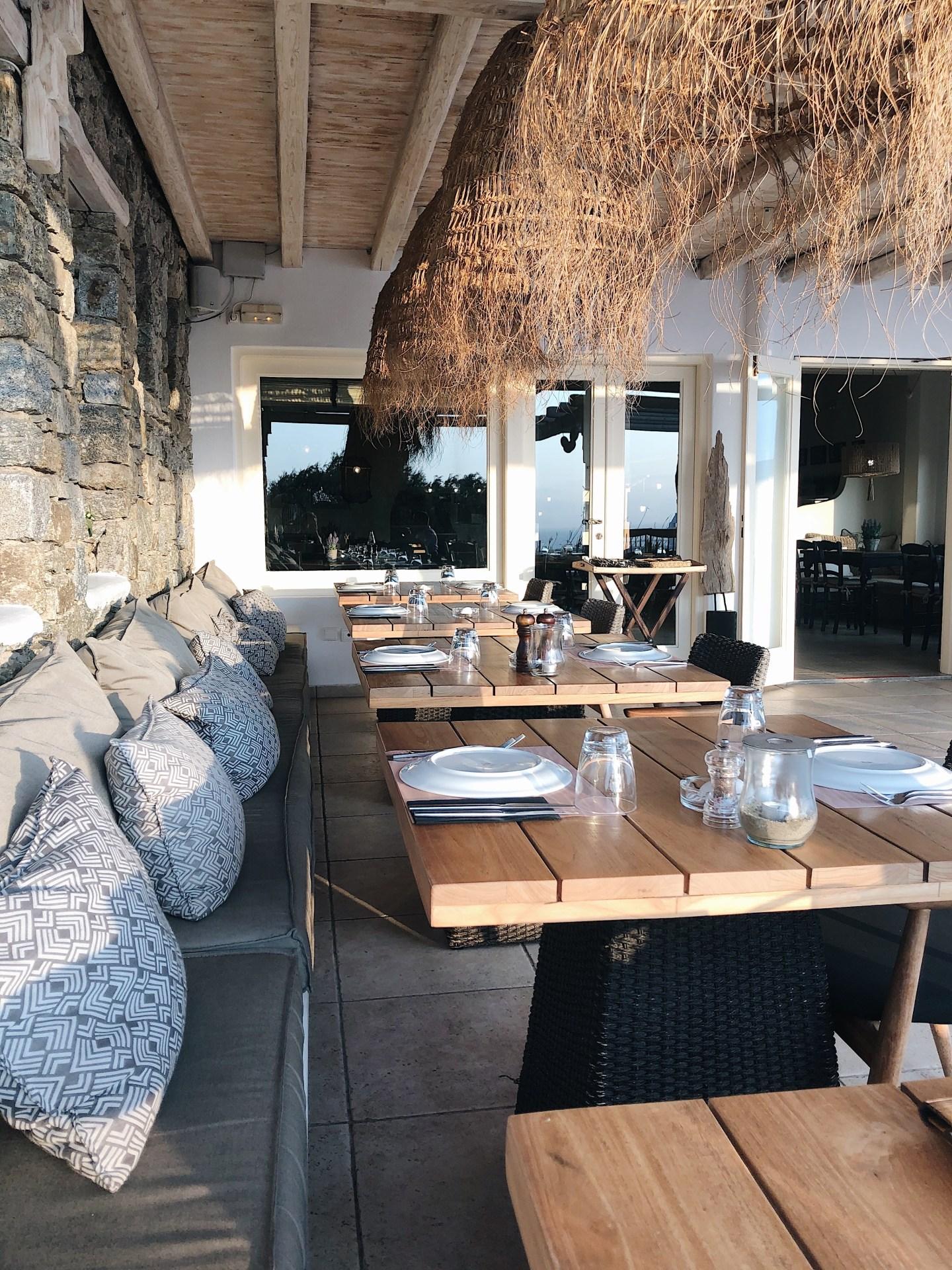 restaurant karavaki