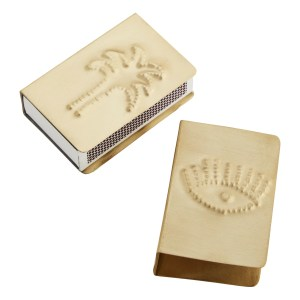 etui boite allumettes dore smallable marmille 300x300 - Ma sélection shopping pour passer un automne doux et cocooning