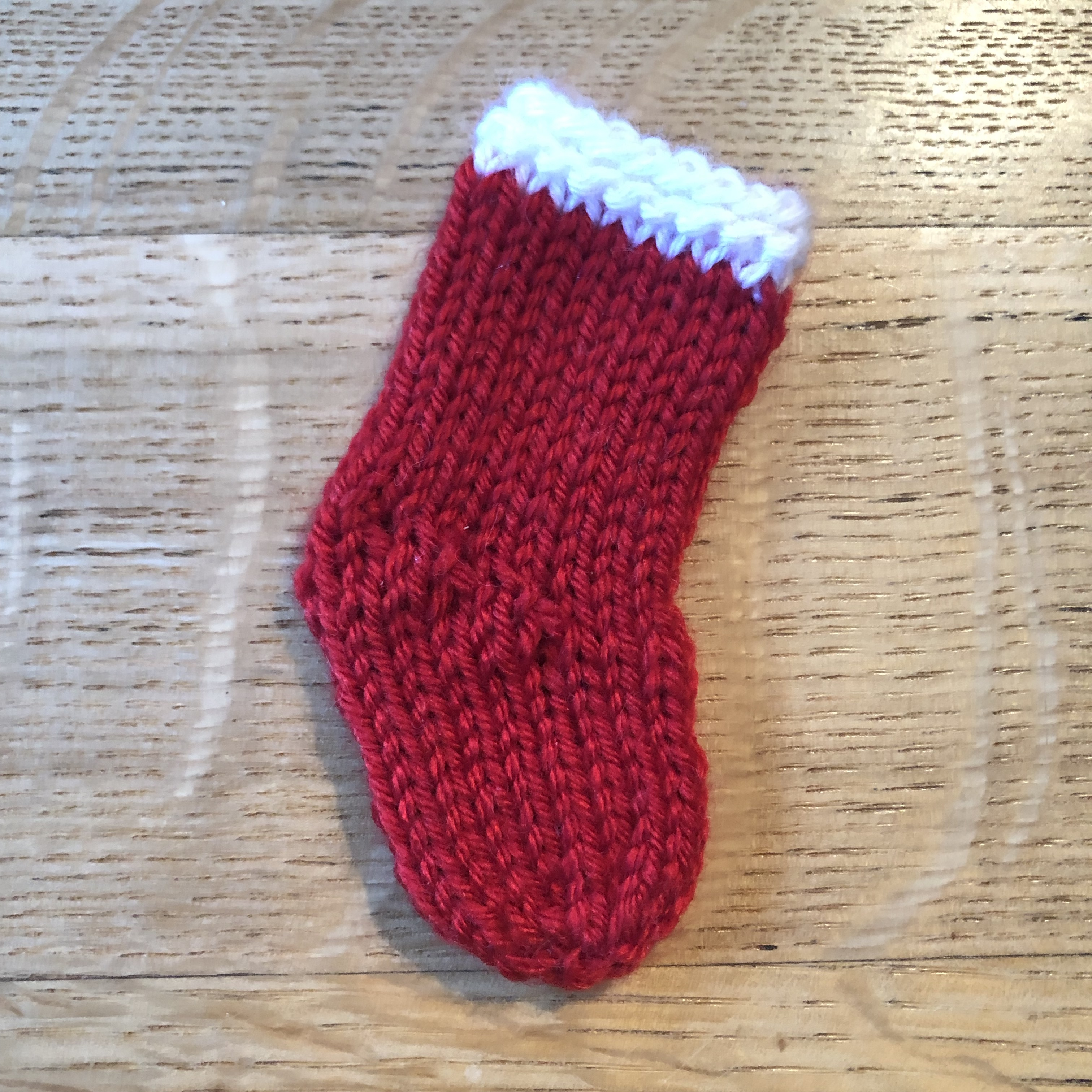 How to Knit a Little Christmas Stocking