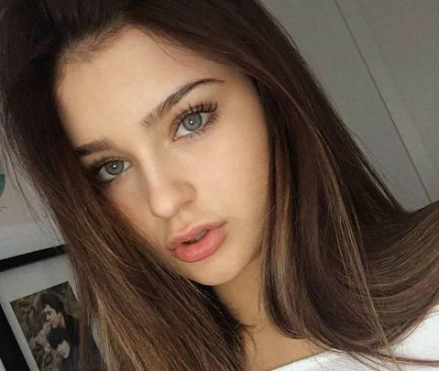Very Beautiful Girls Photos