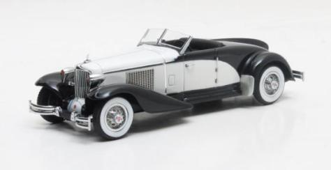 MX50307-011 Cord L-29 Speedster Brook Stevens black and white 1930 July