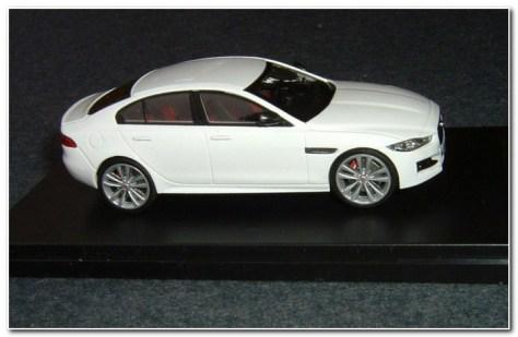 2015 Jaguar XE rh side