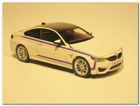 BMW M4 Coupe M Design (4)