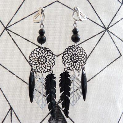Boucles d'oreilles clip estampes blanches et noires