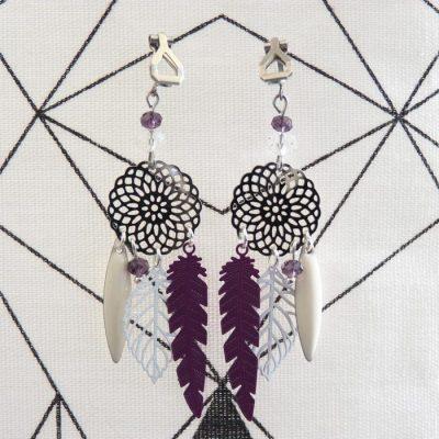 Boucles d'oreilles clip estampes blanches et violettes