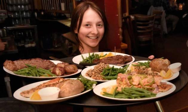 vierling-serves-dinner-photo