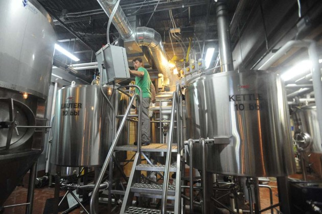 nick-vancourt-ore-dock-brewery-marquette-mi-photo