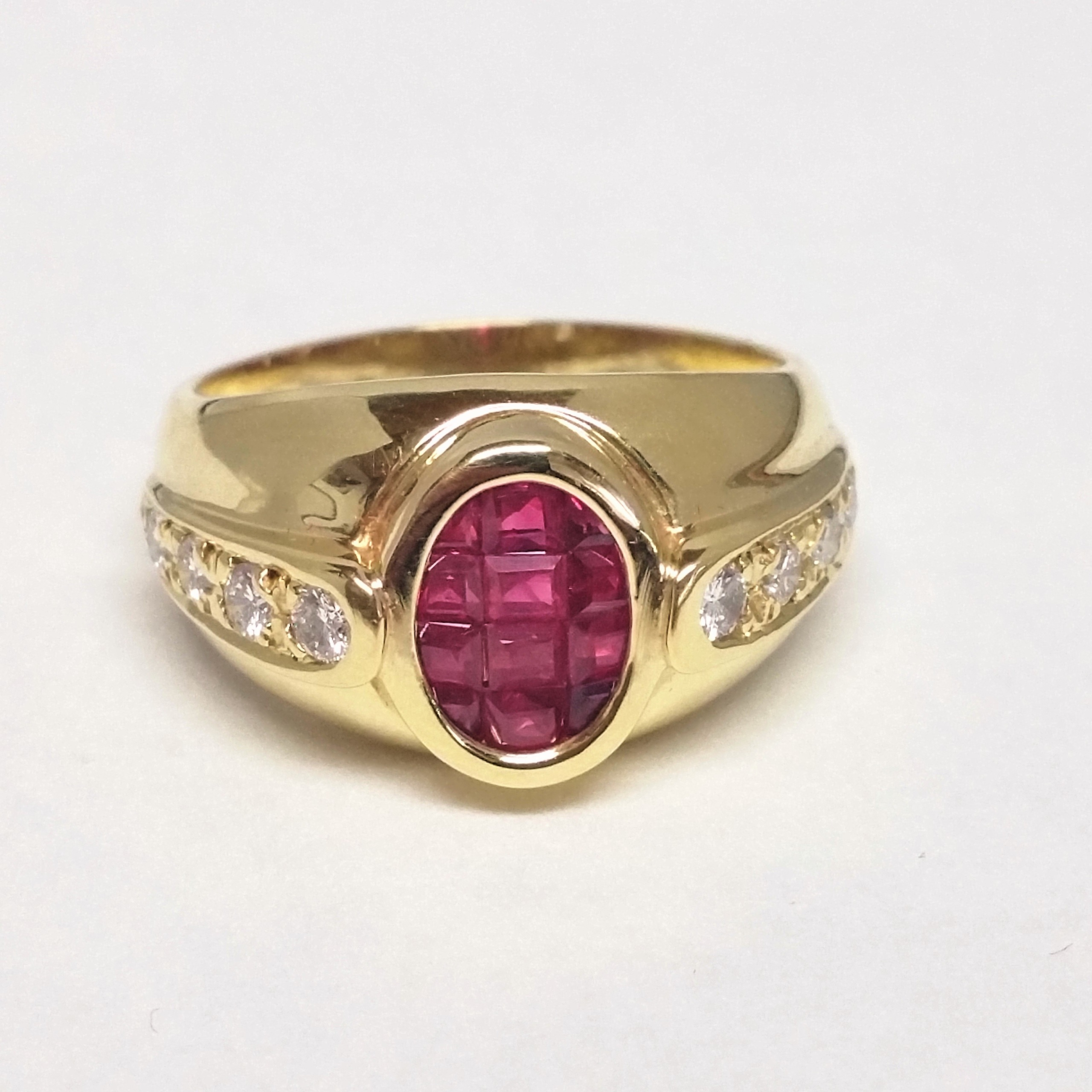 Ruby And 18K Yellow Gold Ring With Diamonds