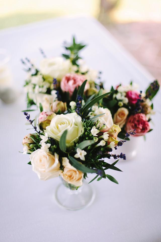 centerpiece-wedding-flowers-Puglia