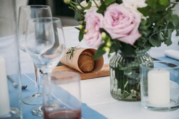 wedding-anniversary-dinner-flower-set-up