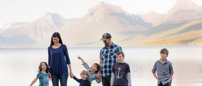 Becoming a Foster Parent and Achieving Financial Independence at 32 – with Jillian Johnsrud
