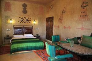 Quarto decorado no deserto de Marrocos