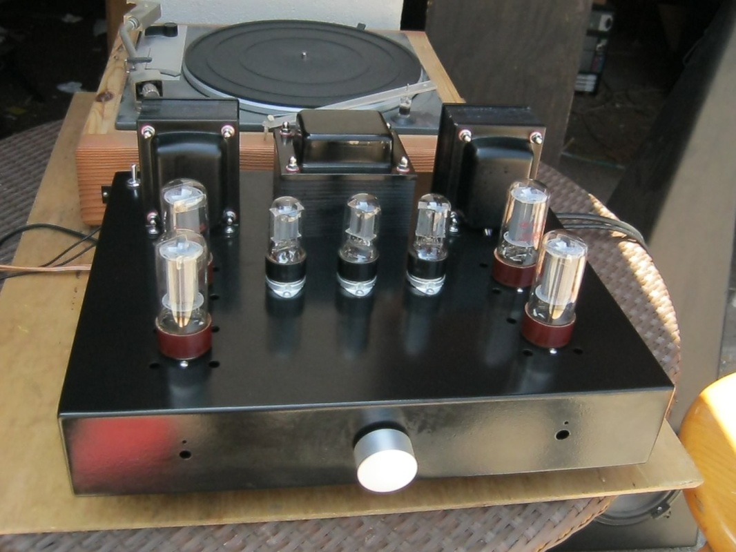 stereo-amplifier-with-integrated-phono-preamp-1