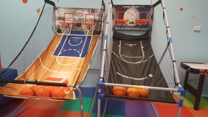 Lets Play Bounce Hoops