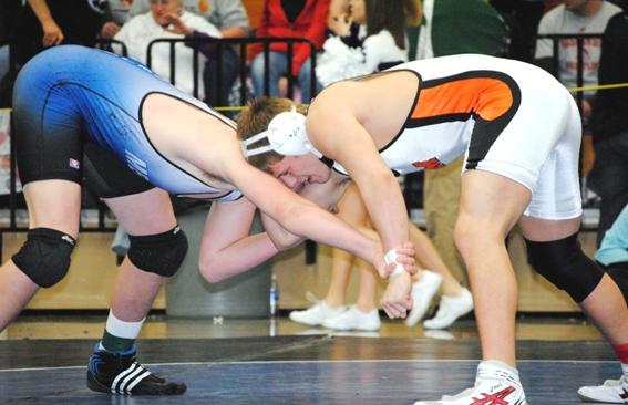 Marshfield Sending Four Wrestlers To State