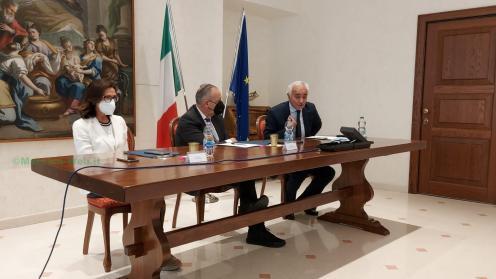 Il Prefetto Torraco con l'onorevole Legnini ed il Prefetto Valente- a