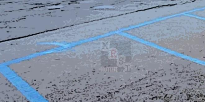 strisce blu paola