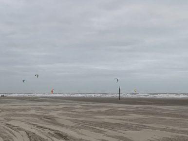 kitessurfen apollo hotel ijmuiden seaport beach