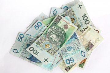 100-bank-notes-bills-2099-749x550