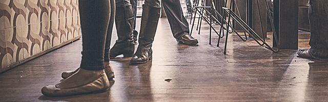nogi buty balerinki biznesowe spotkanie