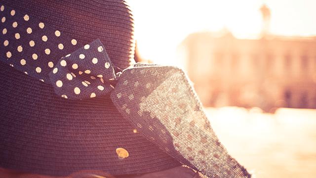 kapelusz z kokardką