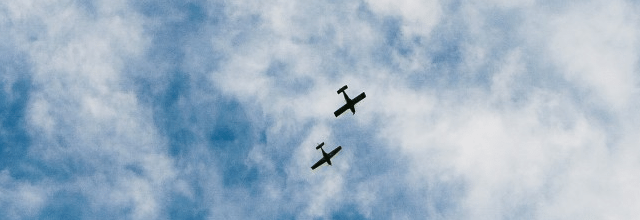 samoloty niebo obłoki chmury