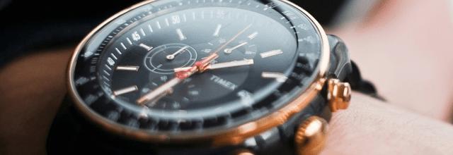 męski ładny nowoczesny czarny zegarek