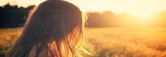 dziewczyna włosy zachód słońca